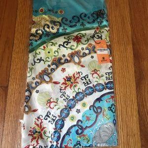 New with tags Wensli silk scarf (90cm)